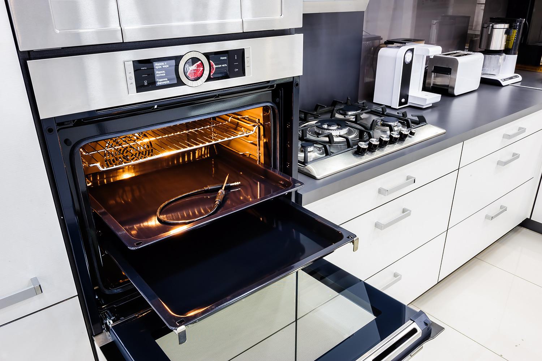 встроенная бытовая техника для кухни фото владелицей дома судья