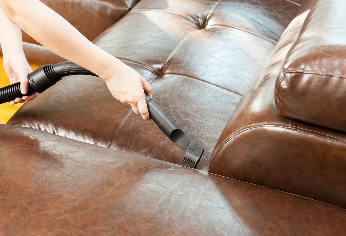 чистку кожаной мебели