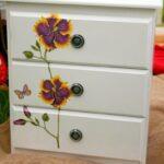декупаж шкафа фиолетовый цветок