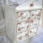 декупаж шкафа белый с цветами