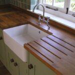 деревянная столешница для кухни интерьер фото