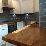 деревянная столешница для кухни интерьер идеи