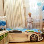 детская кровать-машина светлая