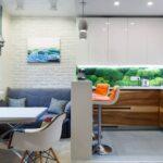 диван голубой на кухне