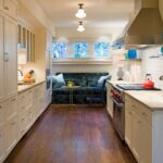 кухня 12 м с диваном синим