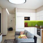 кухня 12 м с серым диваном