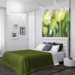 кровать в спальне зеленая