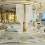 кровать в спальне балдахин