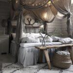 кровать в спальне шик