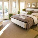 кровать в спальне сделать