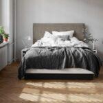 кровать в спальне смотреть