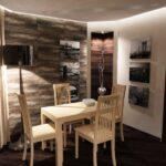 стена возле стола на кухне виды фото