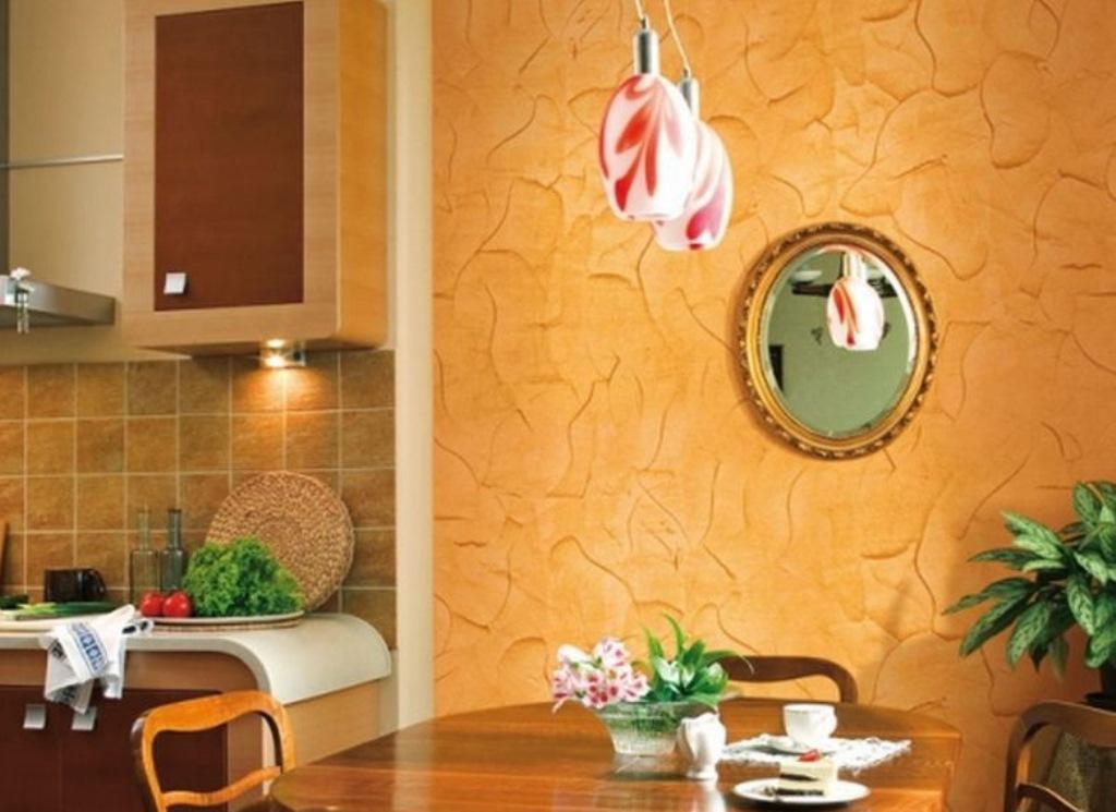 дизайн стены возле стола на кухне штукатурка
