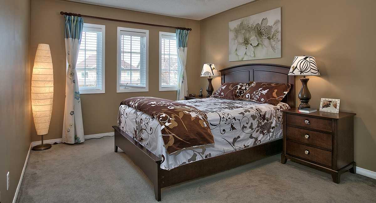расстановка мебели в спальне варианты