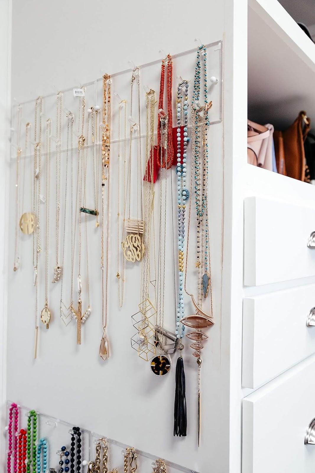 хранение украшений в шкафу