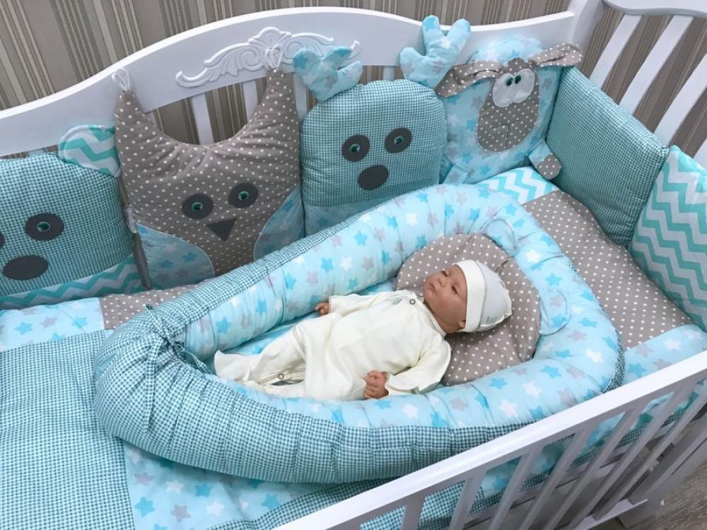бортик-кокон в кроватку малыша