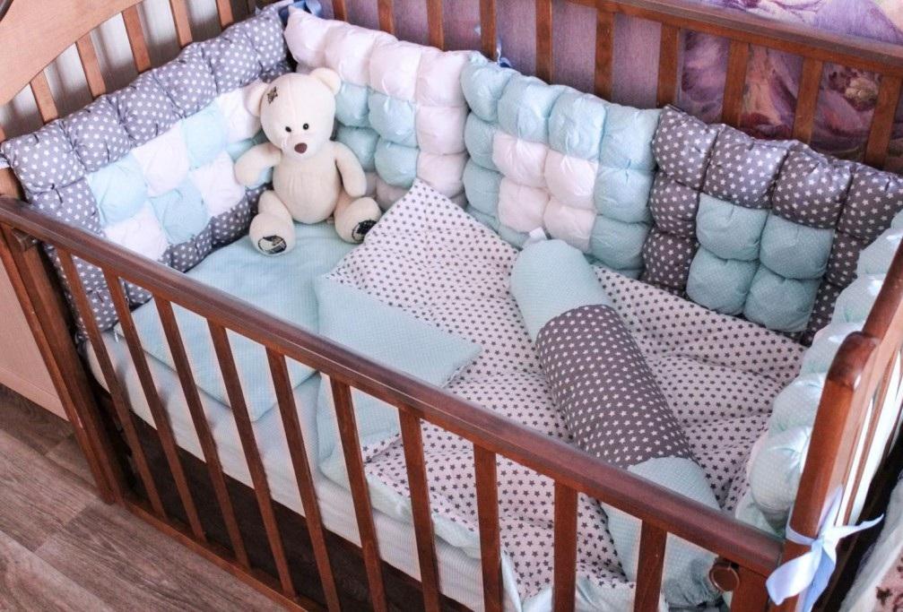 как сделать бортик для кроватки младенца своими руками
