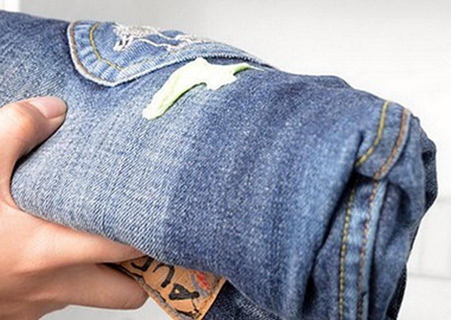 монтажная пена на джинсах