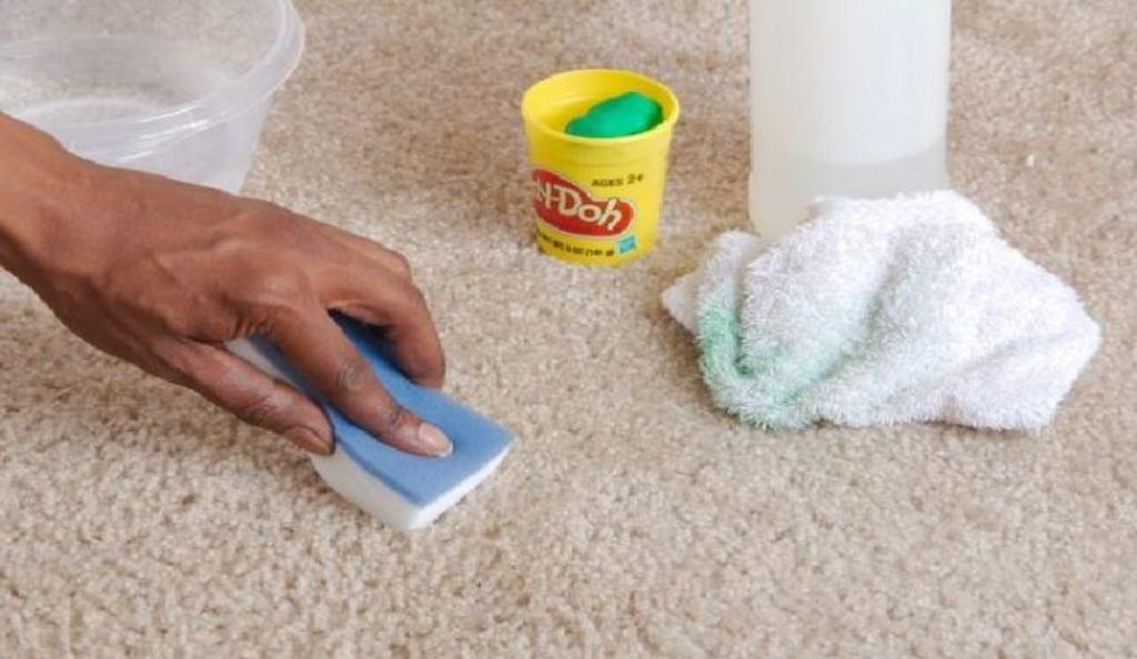 как убрать пластилин с ковра