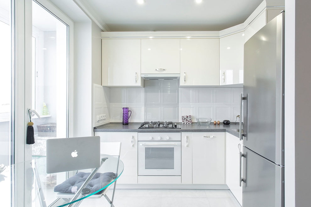 кухонный гарнитур с холодильником