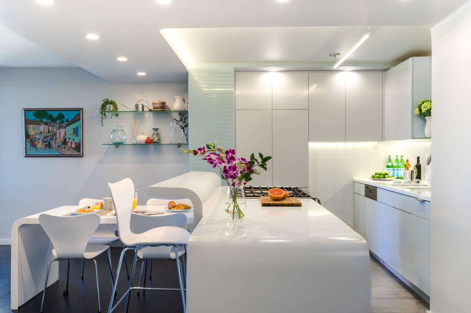 кухонный гарнитур с подсветкой