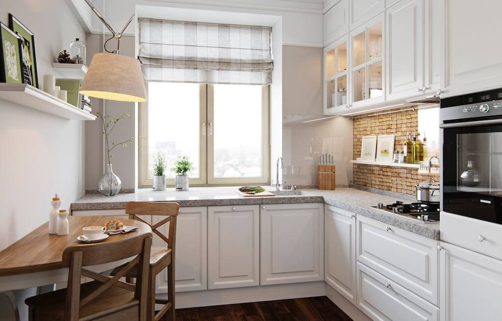 кухня со столешницей возле окна