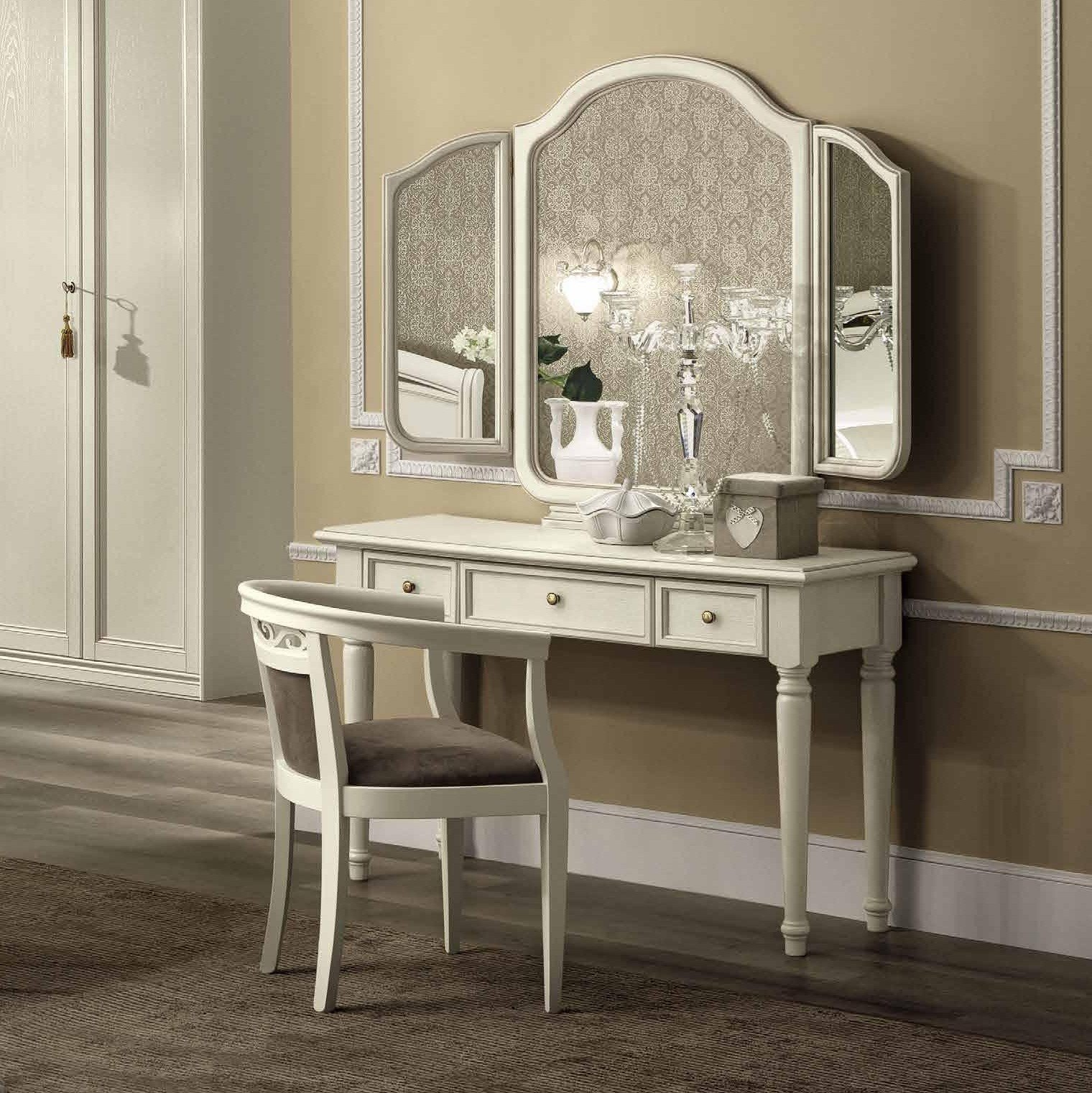 консольный столик с зеркалом