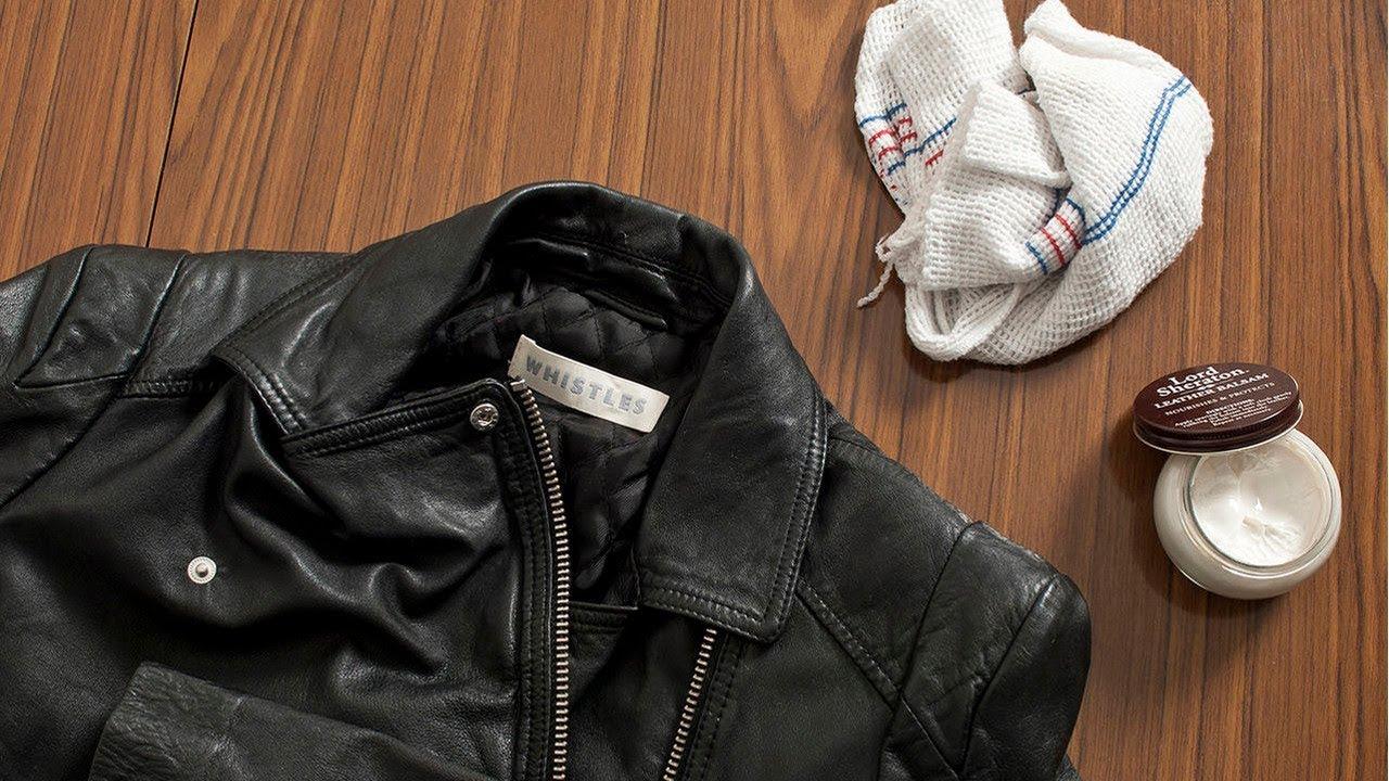 разглаживать одежду