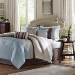 красиво заправленная кровать декор идеи