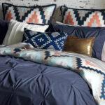 красиво заправленная кровать фото интерьера