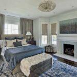 кровать у окна в спальне идеи дизайна