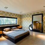кровать у окна в спальне идеи вариантов