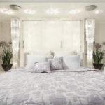 круглая кровать светлая