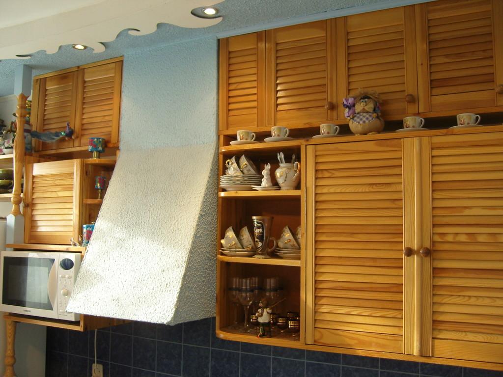удалось отделка кухонных шкафов руками фото же, можно
