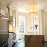 лампа над кухонным столом декор идеи