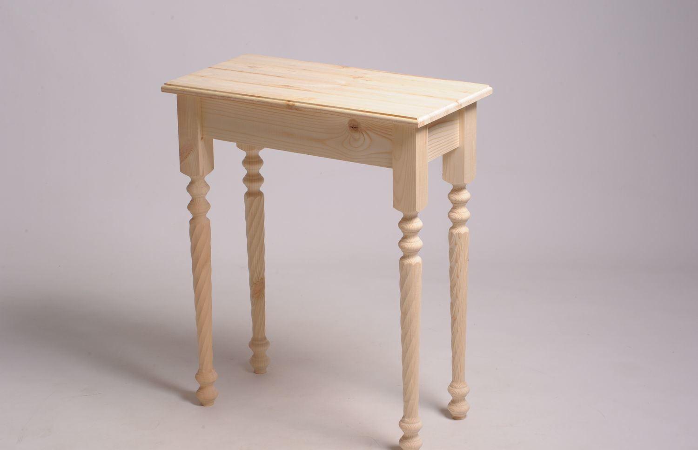 консольный столик из дерева