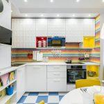 мебельный гарнитур на кухне виды декора