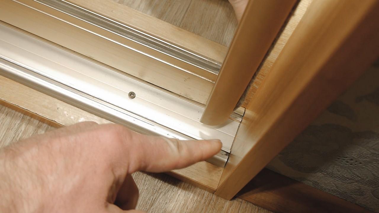 монтаж дверей шкафа купе