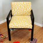 мягкое кресло желтое