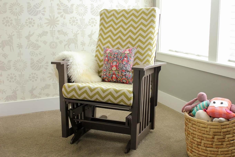 декор кресла подушками