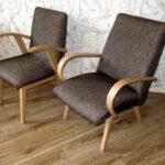 мягкое кресло серое с подлокотниками