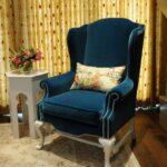 мягкое кресло синее с подуушкой