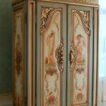 шкаф после реставрации декор