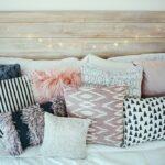 подушки на кровати идеи