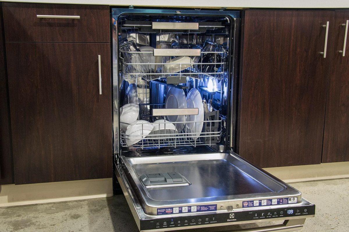 посудомоечной машинкой
