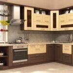 кухонный гарнитур коричневый с бежевым