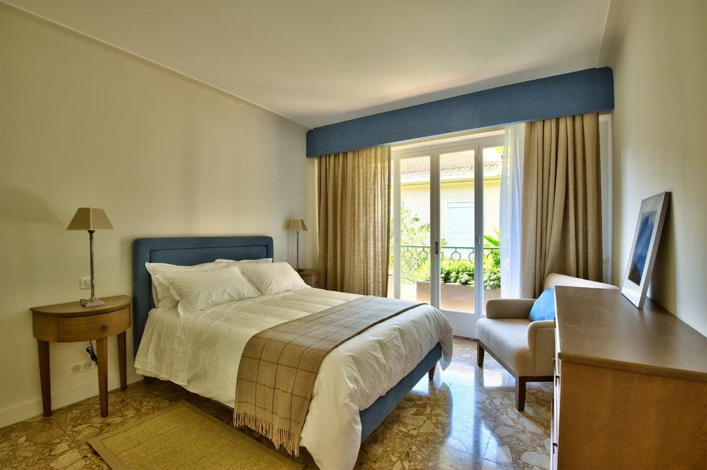 правильная расстановка мебели в спальне