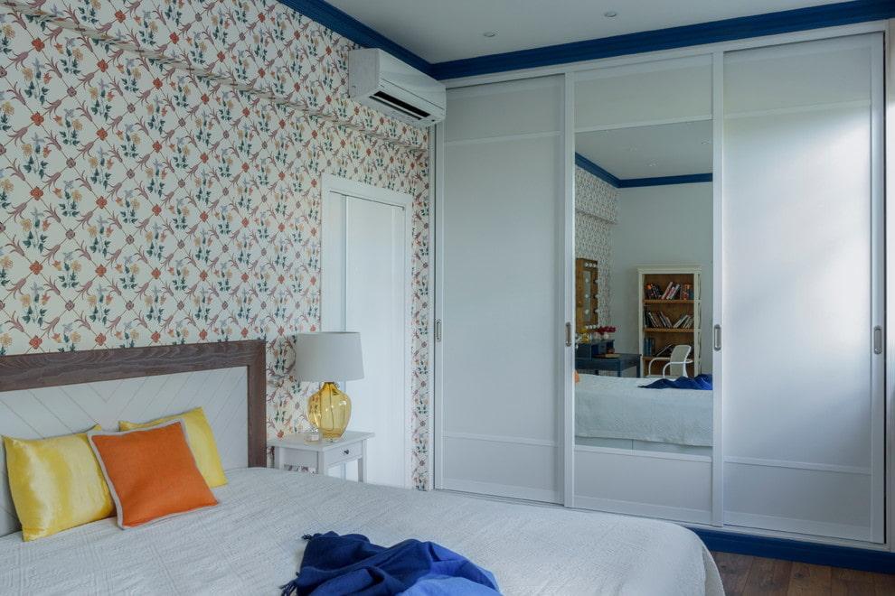 расстановка мебели в спальне фото идеи