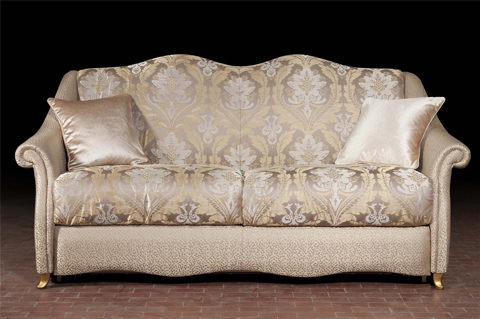 разные обивки на диванах