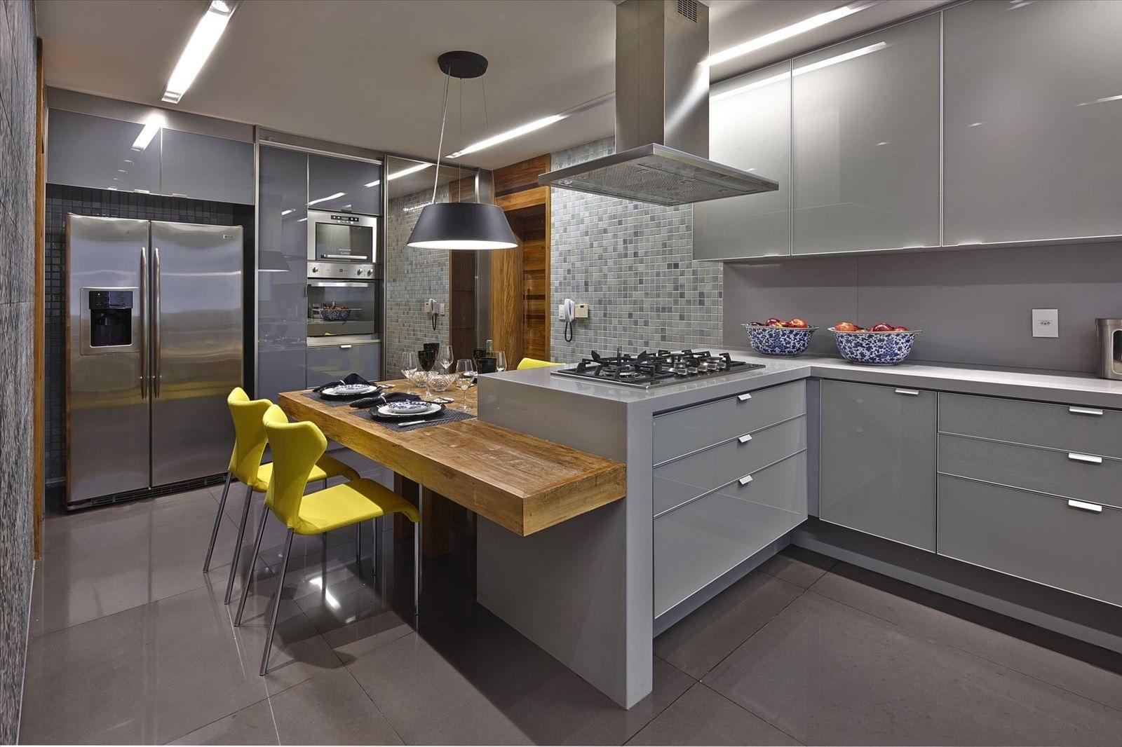 акцент в серой кухне